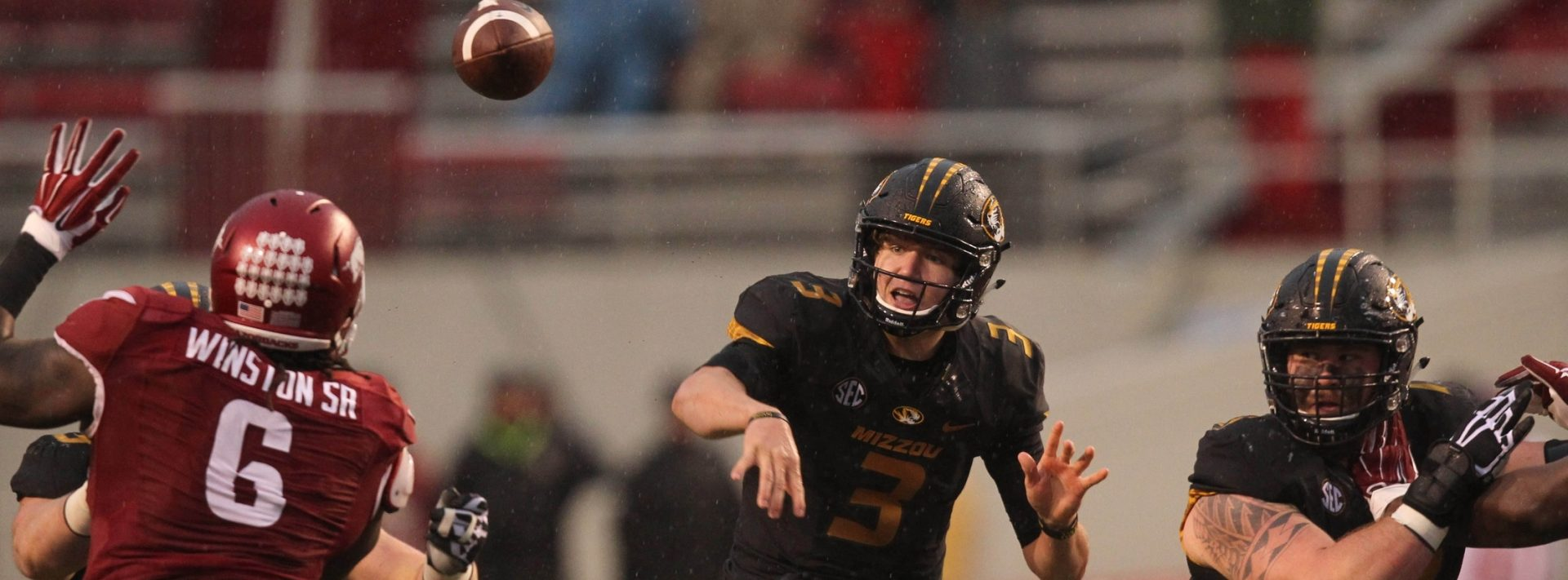 Drew Lock Arkansas (2)